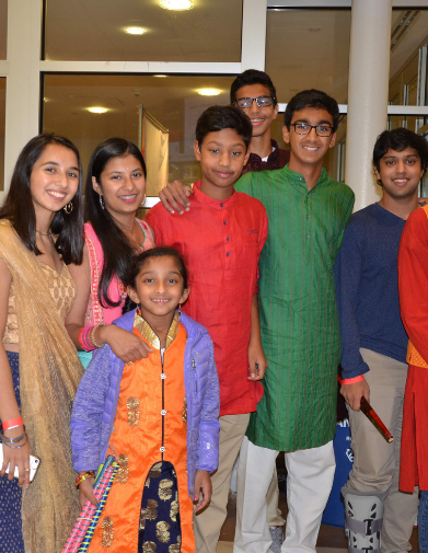 View Your Dandiya 2018 Pictures Here!